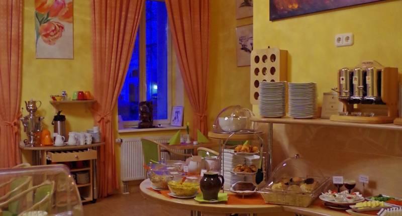 melarose feng shui hotel berlin in berlin bei. Black Bedroom Furniture Sets. Home Design Ideas