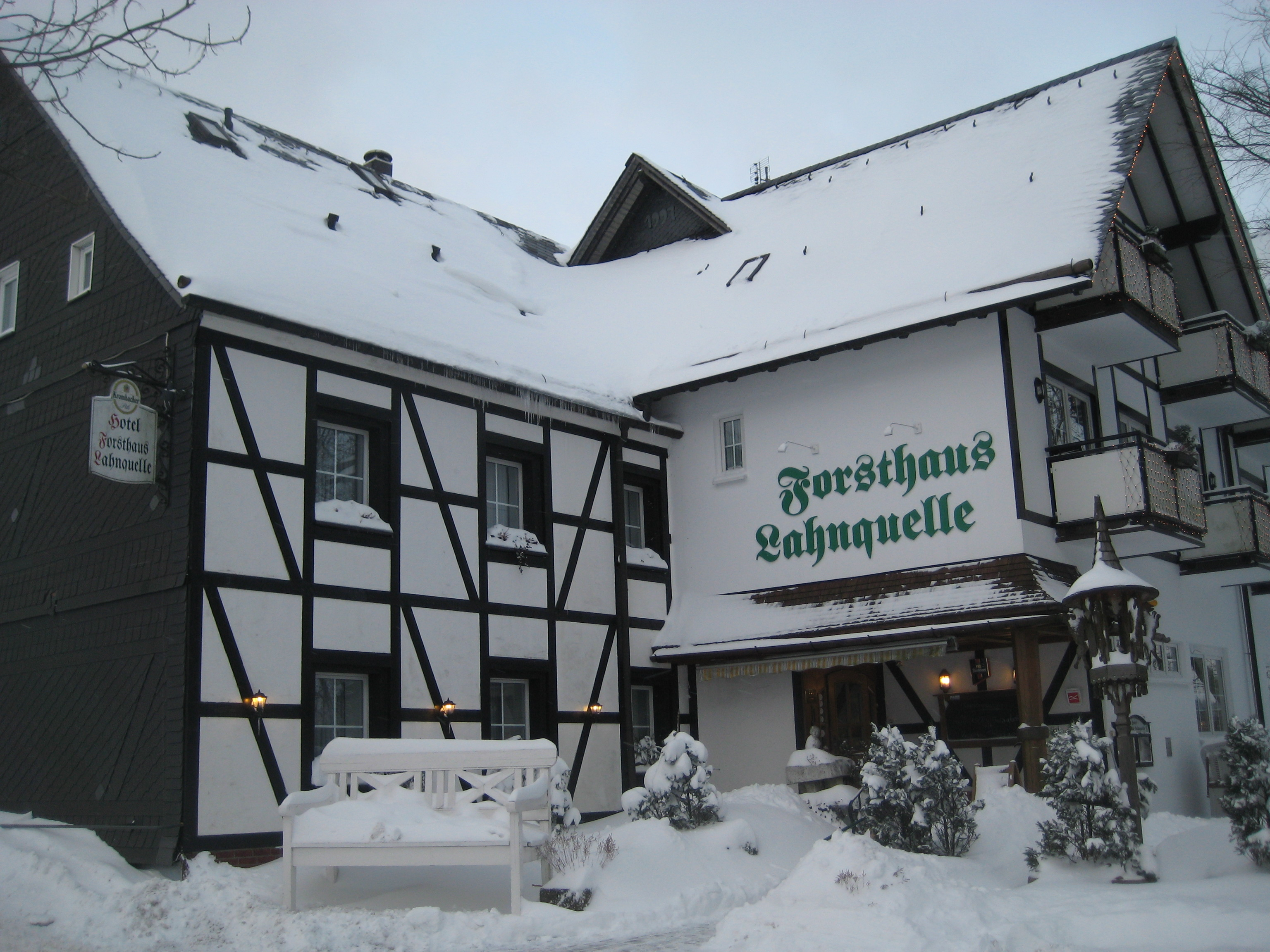 Hotel Forsthaus Lahnquelle In Netphen Bei Tv Plafon Roof